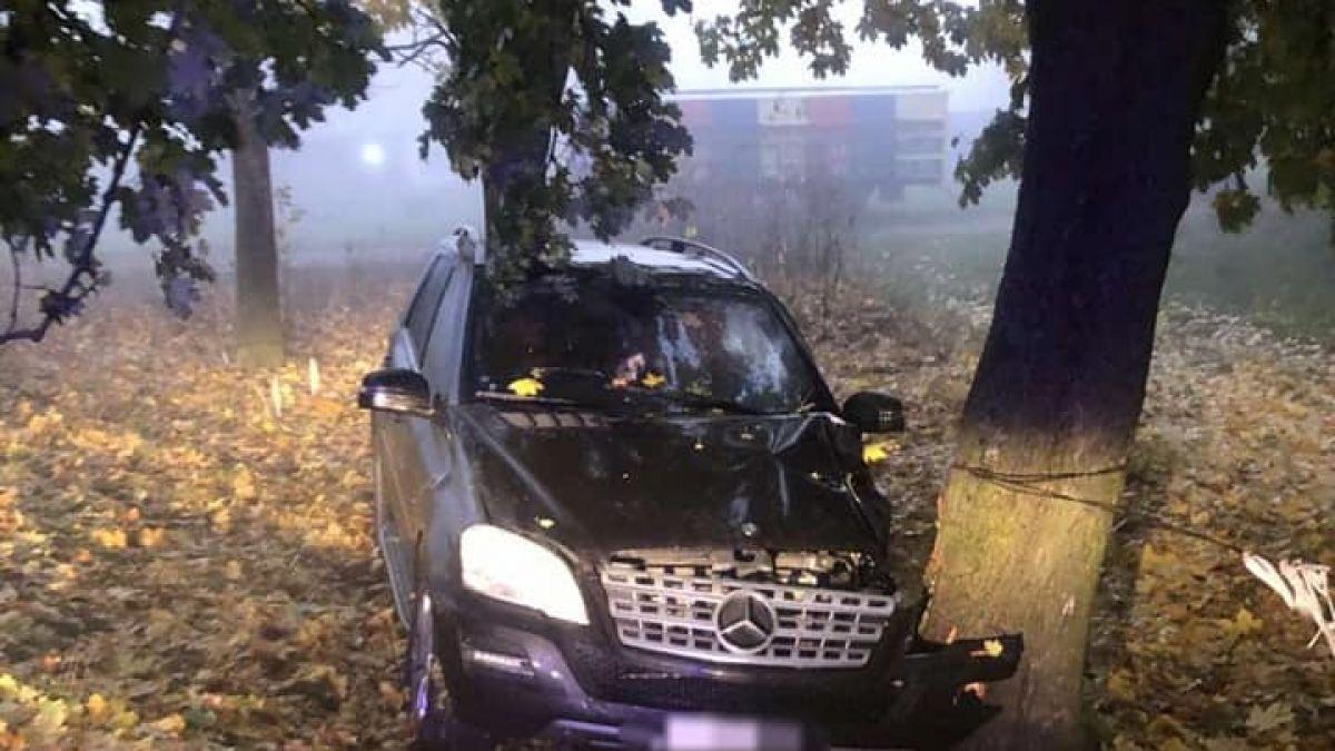 Un deputat PRO Moldova a ajuns cu mașina într-un copac! În automobil se mai afla un membru al familiei