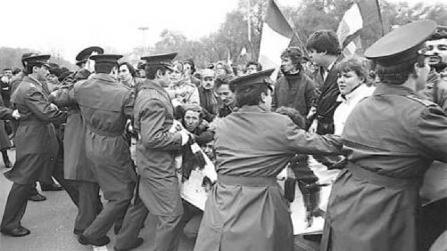 7 Noiembrie 1989, ziua în care basarabenii au oprit tancurile sovietice la Chișinău - FOTO/VIDEO